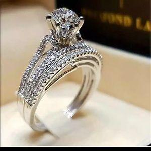 18k WHITE GOLD SIMULATED DIAMONDS WOMENS RIBGS